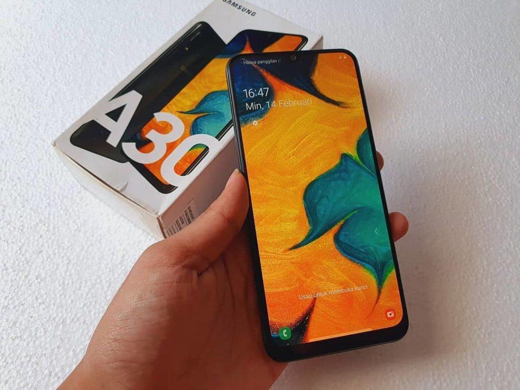 Design et affichage du Samsung Galaxy A30