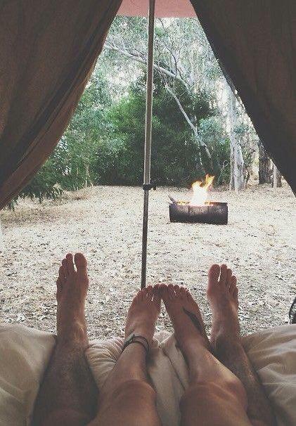 Chacun doit se sentir libre au sein de la relation. Les couples qui voyagent ensemble en sont tout à fait conscients et c'est pour cela qu'ils respectent les moments de solitude et l'intimité de l'autre, ce qui est nécessaire pour le bien-être de la relation.